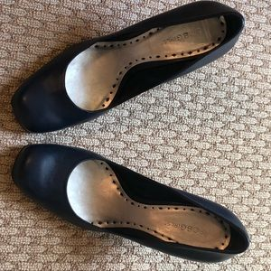 Navy BCBG heels
